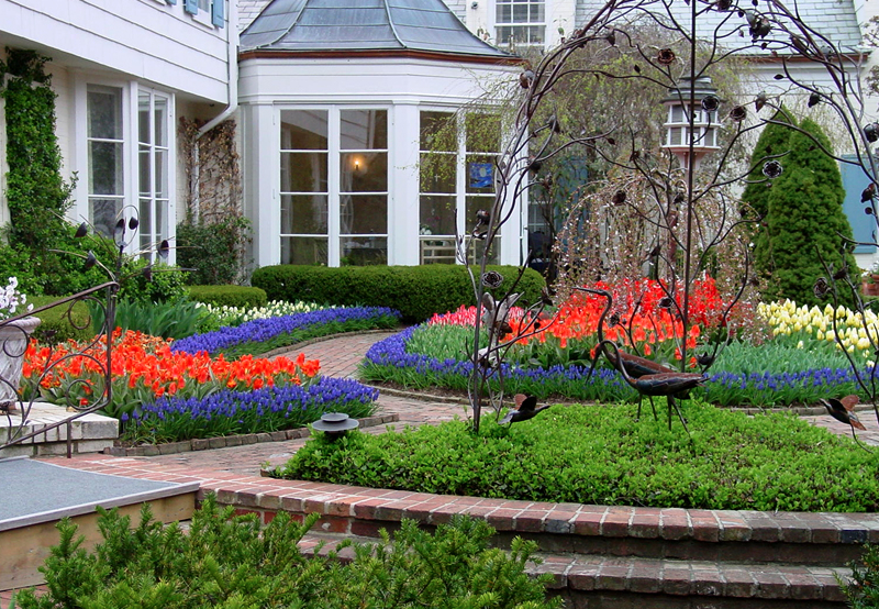 Flower-Bed-Front-Porch